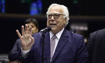 """IMAGEM: """"Falta o PT vir engrossar a procissão"""", diz coordenador da campanha de Ciro"""