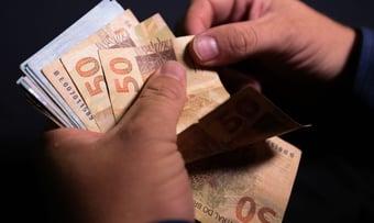 IMAGEM: Número de famílias com dívidas chega a 66,5%
