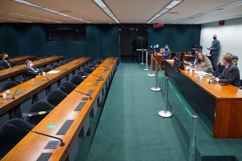 IMAGEM: CCJ da Câmara aprova PEC que parcela precatórios