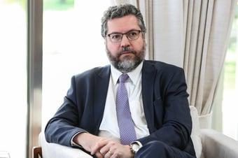 IMAGEM: Ernesto Araújo pede ao STF que limite as quebras de sigilo determinadas pela CPI da Covid