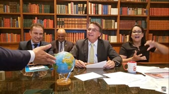 IMAGEM: Governo Bolsonaro pode ser motivo de hackeamentos no Brasil, diz professor