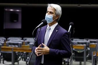 IMAGEM: Oposição diz que tentará derrubar vetos de Bolsonaro sobre LSN