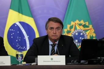 IMAGEM: Bolsonaro fez reuniões sobre pandemia só uma vez por semana
