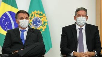 """IMAGEM: """"Vamos aguardar que as esferas partidárias resolvam"""", diz Lira, sobre ida de Bolsonaro ao PP"""
