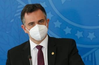 """IMAGEM: Pacheco critica """"apego exagerado à reeleição"""" no Brasil"""