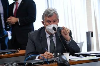 IMAGEM: CPI volta atrás e retira nome de Heinze da lista de possíveis indiciados