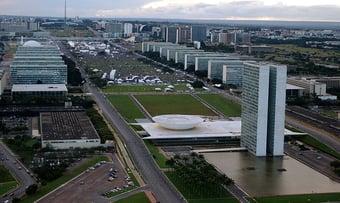 IMAGEM: Governo Bolsonaro prevê gasto recorde para preencher cargos públicos