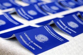 IMAGEM: Mais de 500 mil acordos de redução e suspensão de jornada já foram assinados em uma semana