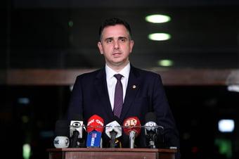 IMAGEM: Para Pacheco, condicionar reforma tributária ao Bolsa Família é medida politiqueira