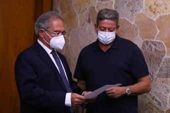 IMAGEM: Pressionado, Guedes anuncia (sem dar detalhes) criação de novo programa de auxílio
