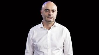 """IMAGEM: Mario Sabino, na Crusoé: """"Civilização e barbárie em Paris"""""""