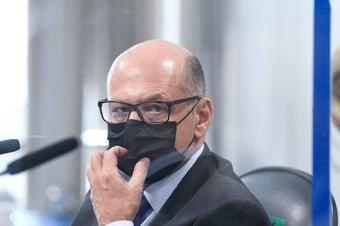 IMAGEM: Queiroga usa 'desculpa' para deixar Coronavac de fora do reforço, diz Covas
