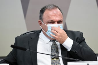 IMAGEM: Ex-assessora da Saúde desiste de processar ex-mulher de Pazuello