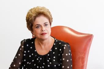 """IMAGEM: Dilma rebate Ciro: """"Mente de maneira descarada e mergulha no fundo do poço"""""""