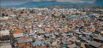 IMAGEM: Suspeita de chefiar tráfico no Jacarezinho é presa no Rio
