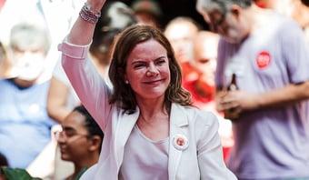 IMAGEM: Para Gleisi, novo Bolsa Família é compra de votos