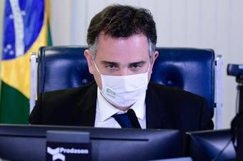 IMAGEM: Petrobras tem que tomar parte do problema da alta dos combustíveis, diz Pacheco
