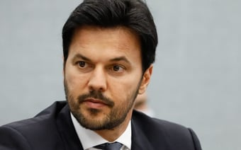 """IMAGEM: Faria: """"Leilão do 5G vai levar internet a 40 milhões de brasileiros"""""""