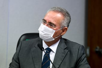 IMAGEM: Renan admite que pode rever número de crimes atribuídos a Bolsonaro