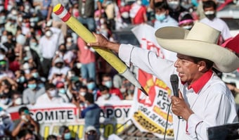 IMAGEM: Contagem final no Peru dá vitória a Pedro Castillo por 0,25 ponto