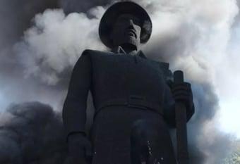 IMAGEM: Estátua do Borba Gato em chamas