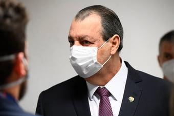 IMAGEM: Aziz cita omissão de Bolsonaro na pandemia e defende impeachment