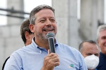 IMAGEM: Lira pressiona Senado por aprovação da reforma do Imposto de Renda