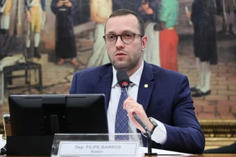 IMAGEM: Relator diz que aliança com Centrão fará voto impresso passar