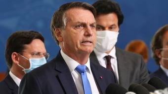 """IMAGEM: Bolsonaro volta a dizer que vai pedir impeachment de ministros: """"O que o Senado vai fazer?"""""""