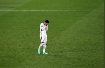IMAGEM: Quatros pessoas são presas por ataques racistas a jogadores da Inglaterra
