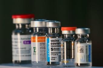 IMAGEM: 90% dos brasileiros não fazem questão de escolher marca de vacina, diz pesquisa da CNI