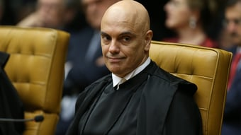 IMAGEM: Moraes dá 30 dias para Bolsonaro ser ouvido pela PF