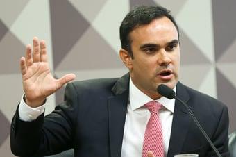 IMAGEM: Aras reintegra procurador acusado de receber propina da JBS