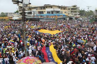 IMAGEM: Oposição decide participar de eleições na Venezuela