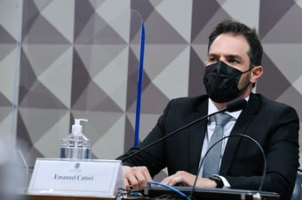 IMAGEM: Renan exclui sócio da Belcher Farmacêutica da lista de indiciados
