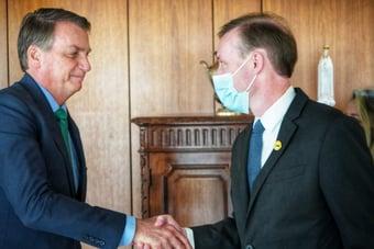 IMAGEM: Bolsonaro recebe conselheiro de Segurança Nacional dos EUA