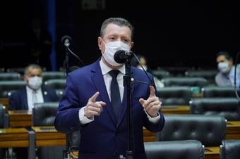 """IMAGEM: Nelto diz que 'PEC do Gilmar' é """"vírus"""" para """"exterminar independência do MP"""""""