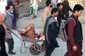 IMAGEM: Mortos em ataque a Cabul já são pelo menos 60, diz a BBC
