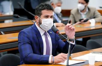 """IMAGEM: Entrevista: """"Quem vai ganhar é o consumidor"""", diz relator do projeto de privatização dos Correios"""