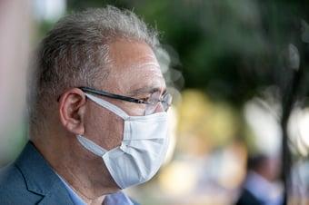 IMAGEM: Queiroga compara uso obrigatório de máscaras a preservativos
