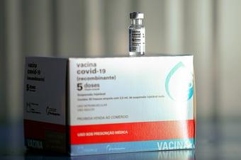 IMAGEM: SP reduz para 8 semanas intervalo de doses da AstraZeneca
