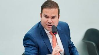 IMAGEM: Líderes mudam versão da quarentena eleitoral e falam em 2026