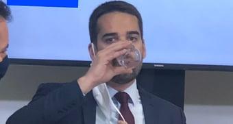 IMAGEM: Leite derrota Bolsonaro (com folga)