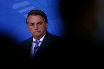 IMAGEM: Bolsonaro diz a apoiadores que não vai 'discutir' encontro com Temer