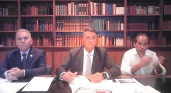 IMAGEM: Em live com Queiroga, Bolsonaro se diz 'melhor' do que quem tomou Coronavac