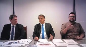 IMAGEM: Em live, Bolsonaro mente ao dizer que Brasil é país que 'menos sofre' com inflação