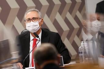 """IMAGEM: Renan minimiza desconforto no G7 após vazamento de relatório: """"Li pelos jornais"""""""