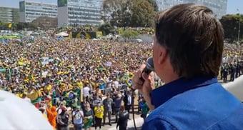 """IMAGEM: Bolsonaro ameaça dar golpe: STF """"pode sofrer aquilo que não queremos"""""""