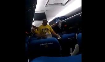 IMAGEM: Bolsonaristas ganham camisa, transporte e 100 reais para participar de protesto