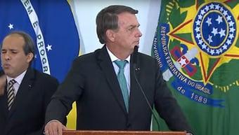 """IMAGEM: Bolsonaro usa infecção de ministros para questionar vacina: """"Há uma grande incógnita"""""""